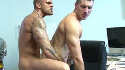 Muscled british queer colleagues shag