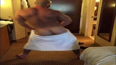 My Dad Shaking It